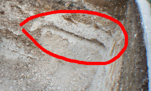 trace de la tombe retrouvée